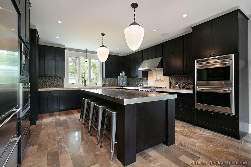 Темные кухни фото